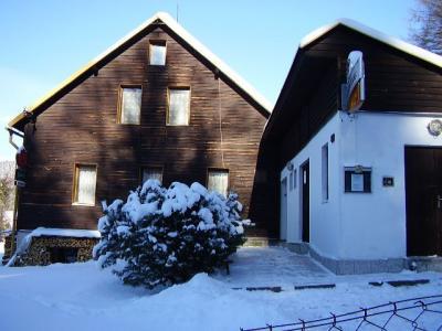 Chalupa u kaple - ubytování Krušné hory - chata k pronajmutí  v Krušných horách - fotografie č. 1