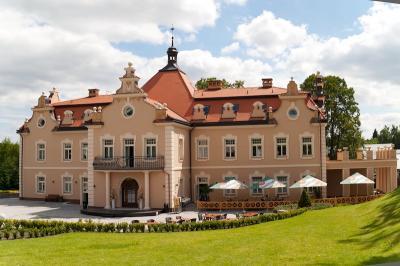 Hotel zámek Berchtold - ubytování Střední Čechy - ubytování v hotelu v Středních Čechách - fotografie č. 1