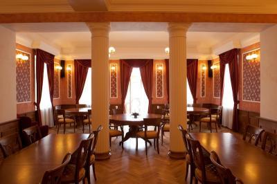 Hotel zámek Berchtold - ubytování Střední Čechy - ubytování v hotelu v Středních Čechách - fotografie č. 2