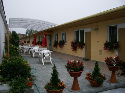 HOTEL TEREZA** - ubytování Západní Slovensko - ubytování v hotelu na Západním Slovensku - fotografie č. 1